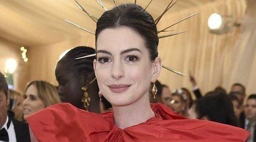 Anne Hathaway se inspira en la educación que el Príncipe Guillermo y Kate Middleton dan a sus hijos para criar al suyo