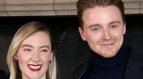 Jack Lowden guarda silencio sobre los rumores de un posible romance con Saoirse Ronan, su compañera de reparto