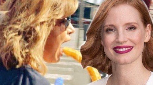 El extraño pero gracioso vínculo entre Jessica Chastain y Terelu Campos comiendo porras