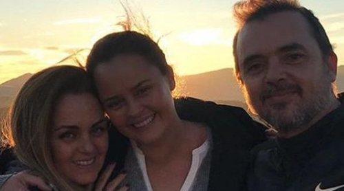 La felicidad de Shaila Dúrcal con sus hermanos Antonio y Carmen Morales y sus sobrinos en su visita a España