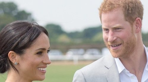 La Reina Isabel, el Príncipe Harry y Meghan Markle acuden al bautizo de la segunda hija de Zara Phillips y Mike Tindall