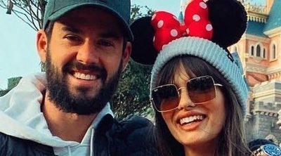 Isco Alarcón y Sara Sálamo disfrutan de Disneyland a las puertas de convertirse en padres