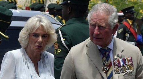 El Príncipe Carlos y Camilla Parker, dos turistas muy 'british' por las calles de La Habana