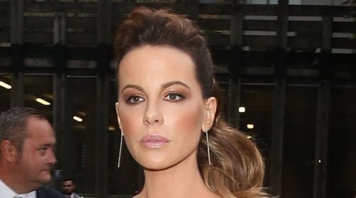 Kate Beckinsale revela las consecuencias que está sufriendo por salir con Pete Davidson