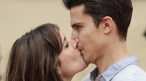 Álex González y Adriana Ugarte, juntos de nuevo gracias a Netflix