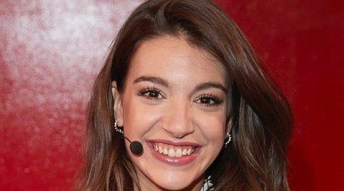Ana Guerra presenta su libro 'Con una sonrisa' muy emocionada y acompañada por Ricky Merino