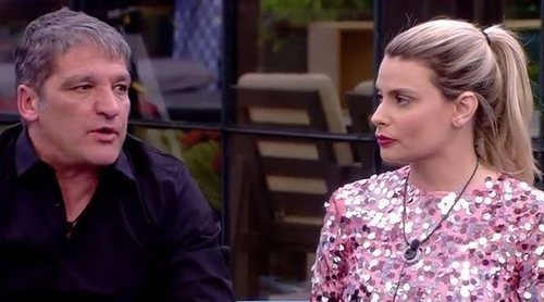 La bronca de Gustavo González y María Lapiedra en 'Sálvame Okupa': 'Estoy harta de que no digas la verdad'