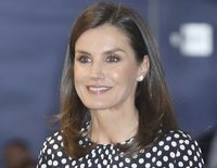 El motivo por el que la Reina Letizia volvió a ponerse la blusa de lunares del rifirrafe con la Reina Sofía en Palma