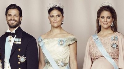 Así son y así se llevan Victoria, Magdalena y Carlos Felipe de Suecia: tres hermanos que sufrieron por amor