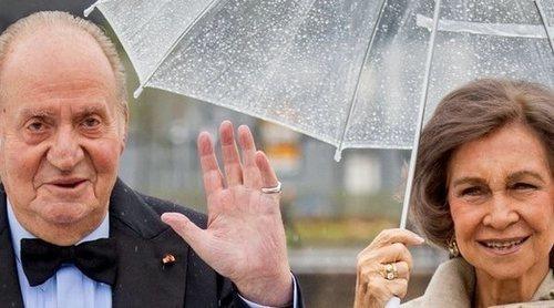 La complicidad de los Reyes Juan Carlos y Sofía en su 57 aniversario de boda