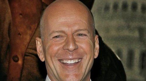 El bochornoso momento de Bruce Willis en un partido de béisbol