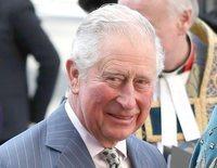 La primera visita del Príncipe Carlos a su nieto Archie Harrison deja claro que la Reina Isabel sigue teniendo el poder