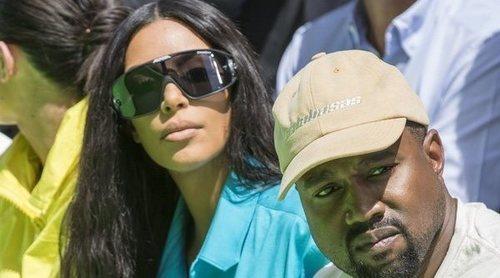 Kim Kardashian y Kanye West presentan a su cuarto hijo y revelan su curioso nombre