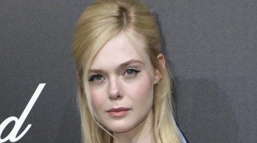 Elle Fanning se desmaya en Cannes por culpa de un vestido demasiado ajustado