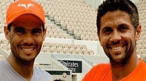 Rafa Nadal conoce a Miguel, el hijo de Fernando Verdasco y Ana Boyer, en el torneo Roland Garrós