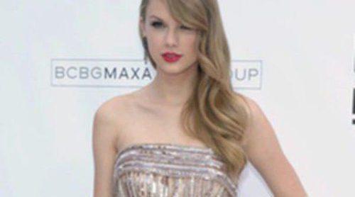 Taylor Swift acompaña a su novio Conor a visitar la tumba de su madre junto al clan Kennedy