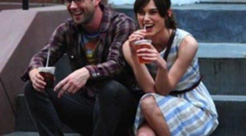 Adam Levine y Keira Knightley, muy cómplices en el rodaje la película 'Can a song save your life?'