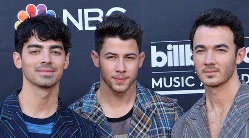 Los Jonas Brothers anuncian el lanzamiento de 'Blood', un libro en el que contarán sus memorias