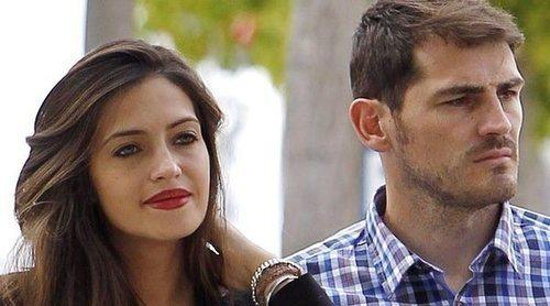 Iker Casillas y Sara Carbonero podrían limar asperezas con sus respectivos padres en su peor momento