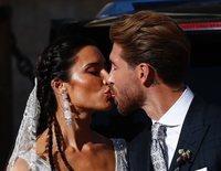 El primer beso de Sergio Ramos y Pilar Rubio como marido y mujer tras su boda en la Catedral de Sevilla