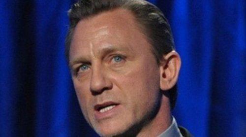 Daniel Craig comienza su recuperación tras ser operado del tobillo por una caída en el rodaje de 'Bond 25'