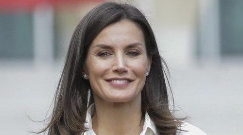La Reina Letizia apoya el deporte femenino y recibe regalos para la Princesa Leonor y la Infanta Sofía