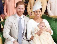 La foto oficial del bautizo privado de Archie Harrison, el primer hijo del Príncipe Harry y Meghan Markle