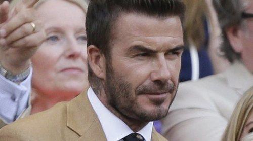 David Beckham vuelve a ser el más elegante en Wimbledon acompañado de su madre