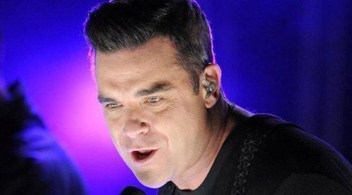 Robbie Williams revela que estuvo años postrado en un sofá hasta que superó la agorafobia