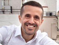 """Curro Cañete, autor de 'Ahora te toca ser feliz': """"Nos podemos ahorrar muchos de los dramas que hacemos cada día"""""""