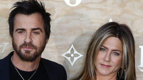 Jennifer Aniston y Justin Theroux se reencuentran por la muerte de su perra Dolly