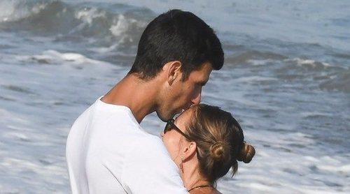 El romántico paseo de Novak Djokovic y Jelena Ristic por las playas de Marbella