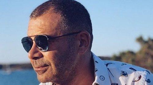Jorge Javier Vázquez se desnuda de nuevo durante sus vacaciones en Italia