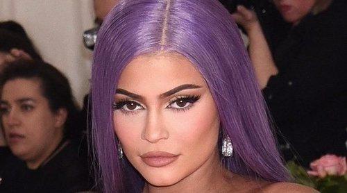 Kylie Jenner y Khloé Kardashian se graban borrachas mientras se maquillan