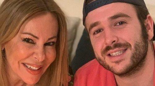 Ana Obregón bromea con Álex Lequio porque no para de trabajar: 'Te he puesto moreno con una app'