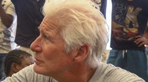 Lluvia de críticas hacia Richard Gere después de ayudar a refugiados del 'Open Arms' llegando en yate privado
