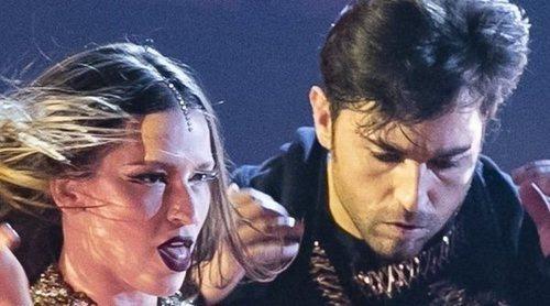 David Bustamante sorprende sacando a bailar a Yana Olina en uno de sus conciertos