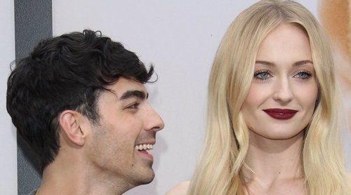 Joe Jonas, sorprendido por su mujer Sophie Turner en uno de sus conciertos por su cumpleaños
