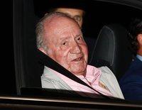 El Rey Juan Carlos entró en el hospital tranquilo y bromista antes de su operación de corazón