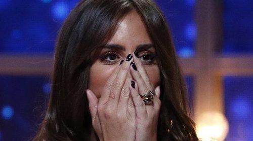 Anabel Pantoja regala gafas de Sol y labiales a niñas en Cuba y etiqueta a las marcas