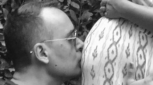 Risto Mejide se pone romántico besando la barriguita de Laura Escanes: '36 semanas esperando a Roma'