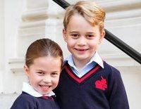 La foto oficial de la vuelta al cole del Príncipe Jorge y la Princesa Carlota en la que sí lograron sonreír