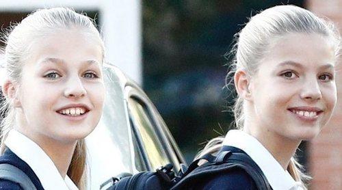 La vuelta al cole de la Princesa Leonor y la Infanta Sofía en 2019: posado, sonrisas y cercanía