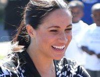 La naturalidad y los bailoteos de Meghan Markle con el Príncipe Harry en su primera parada en Sudáfrica