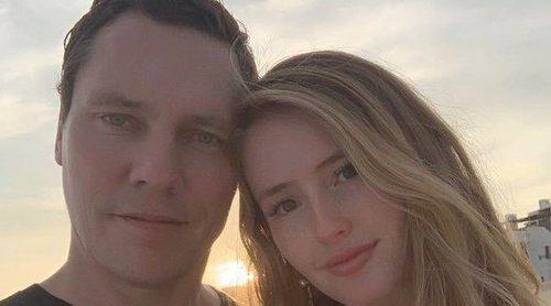 DJ Tiësto se casa con la modelo Annika Backes en medio del desierto de Utah