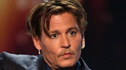 Pintan la estrella de Johnny Depp en el Paseo de la Fama de Hollywood