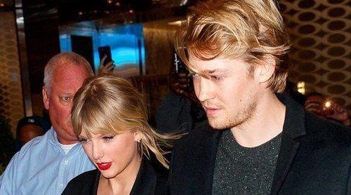 Taylor Swift da un romántico paseo de la mano de Joe Alwyn por Nueva York