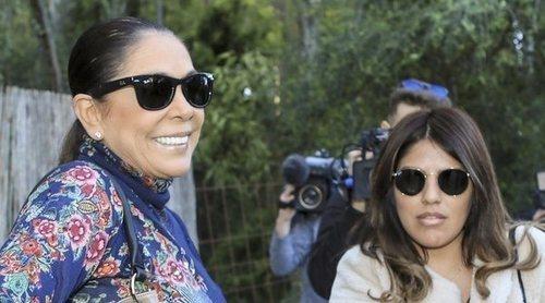 El corte de Isabel Pantoja a su hija Chabelita al interesarse por la salud de Doña Ana