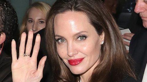 El empoderador mensaje que Angelina Jolie manda a las jóvenes que han sufrido cáncer de mama