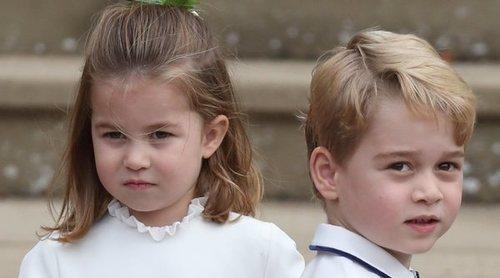 El Príncipe Jorge y la Princesa Carlota disfrutan de sus vacaciones de Halloween: disfraces y casa en el campo